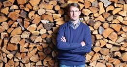 德国木艺界传奇人物施塔曼 传承家族智慧服务全球市场